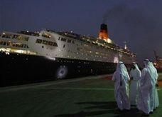 دبي تنفق 90 مليون دولار لتحويل سفينة إلى فندق فاخر