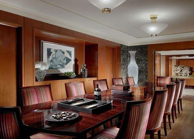 صور من داخل أغلى جناح ملكي في أفخم فندق في العالم