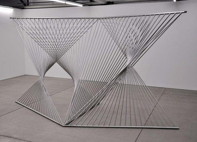 """بالصور: عروض فنية عالمية تشارك في الدورة الخامسة من """"فن أبوظبي"""""""