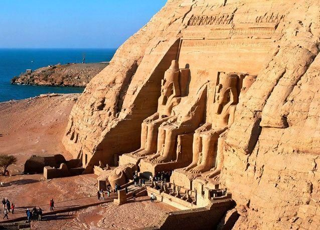 ظاهرة تعامد الشمس الغريبة في معبد أبو سمبل