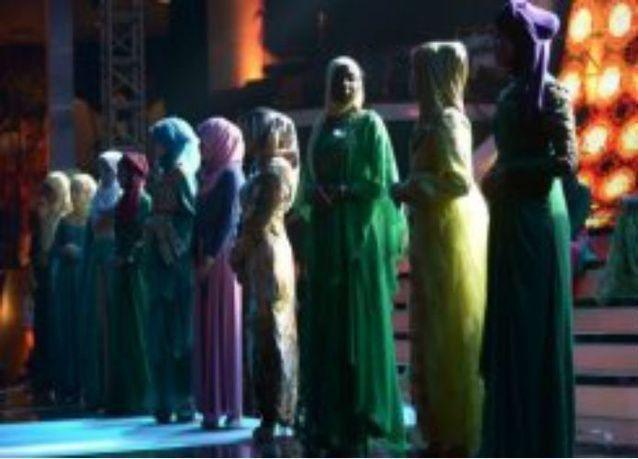 """""""ملكة جمال المسلمات"""" في اندونيسيا بديل لمسابقة ملكة جمال العالم"""