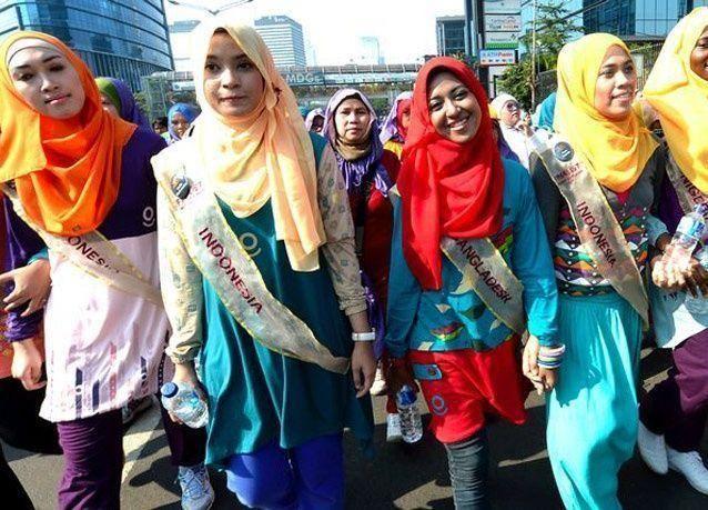 بالصور: نيجيرية تتوج بلقب ملكة جمال العالم الإسلامي
