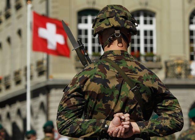 اقتراع مصيري في سويسرا حول الهجرة وأوجه الإنفاق العام