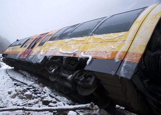 صخرة تخرج قطار عن مساره في فرنسا