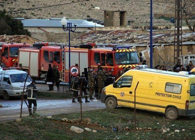 مقتل 100 بتحطم طائرة عسكرية في الجزائر .. بالصور