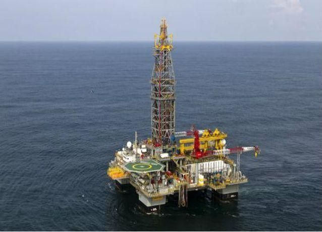 رويال داتش شل تعتزم بيع ثلاث منصات في بحر الشمال
