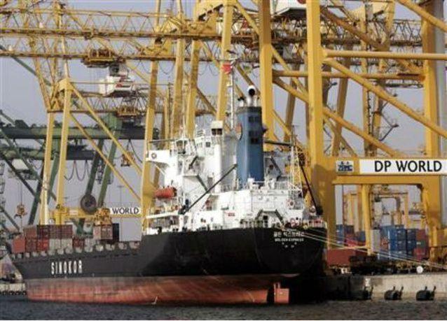 موانئ دبي العالمية تجري مباحثات للإستحواذ على ميناءين في تونس