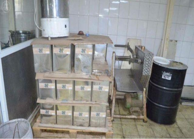 """الكشف عن مصنع في جدة يزور بلد المنشأ لأغذية فاسدة بعبارة """"صنع في تركيا"""""""