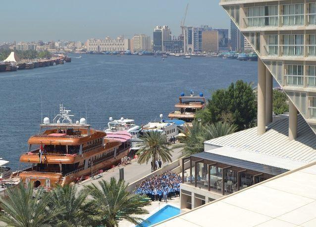 إعادة افتتاح شيراتون خور دبي
