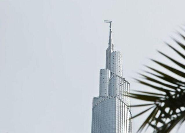 بالفيديو: شاهد برج خليفة بكاميرات قمر اصطناعي من الفضاء