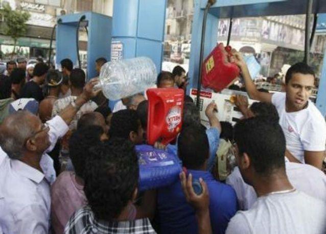 مساعدات بترولية لمصر من السعودية بين 650-700 مليون دولار شهريا حتى أغسطس