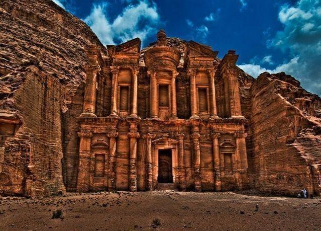 4 مليارات دولار عائدات السياحة في الأردن للعام الجاري