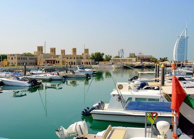 جمارك دبي تنجز مشروع موانئ الصيادين بمنطقتي جميرا وأم سقيم