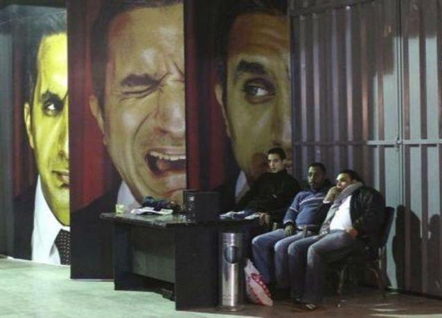 """باسم يوسف يعلن توقف برنامجه التلفزيوني """"البرنامج"""" بصورة نهائية"""
