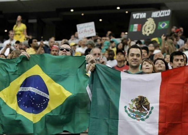 البرازيل ضد المكسيك في الجولة الثانية من منافسات المجموعة الأولى لكأس العالم 2014