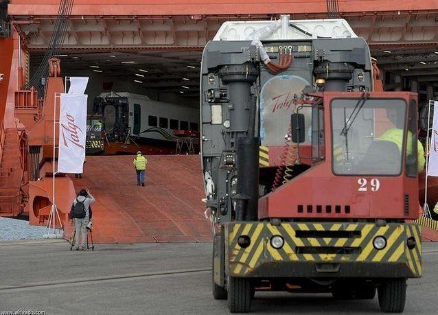 بالصور: قطار الحرمين السريع يستعد للإنطلاق