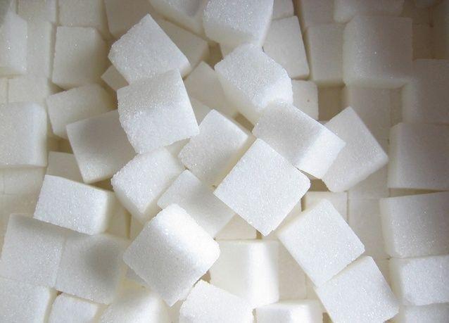 دراسة: سكر الذرة أكثر سمِّية من سكر المائدة