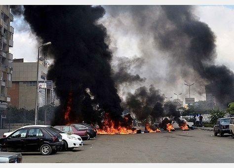 الإسكندرية تستيقظ على تفجيرين وأنباء عن مقتل عنصري أمن