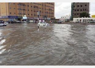 756 حادثا مروريا بسبب الأمطار والأحوال الجوية في دبي