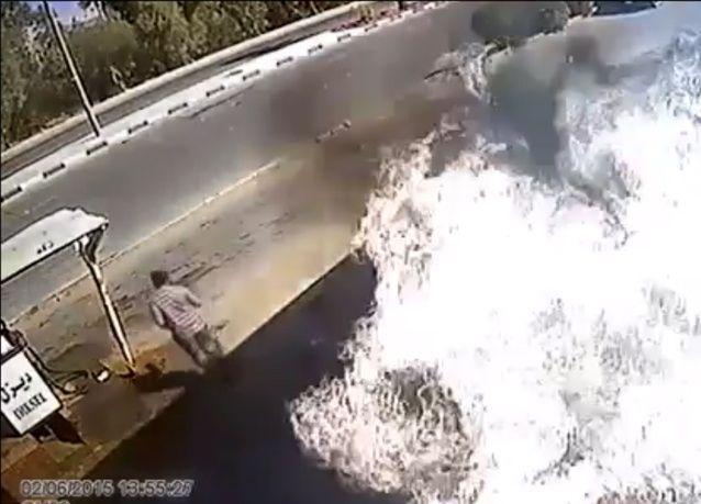 بالفيديو: سعودي ينشغل بهاتفه فيحرق محطة وقود