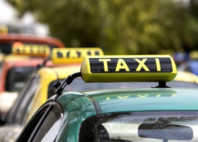 """""""مواصفات"""" الإمارات تتحقق من دقة عدادات سيارات الأجرة لحماية المستهلكين"""