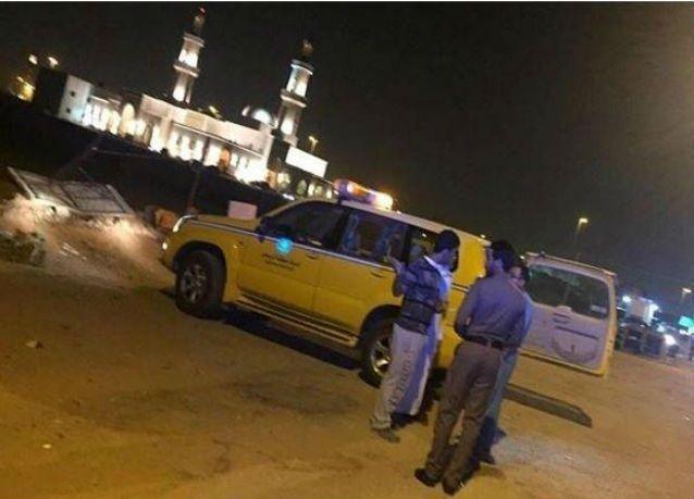 """أمانة الرياض تصادر وجبات لمطاعم """"البيك"""" تباع في الطرقات"""