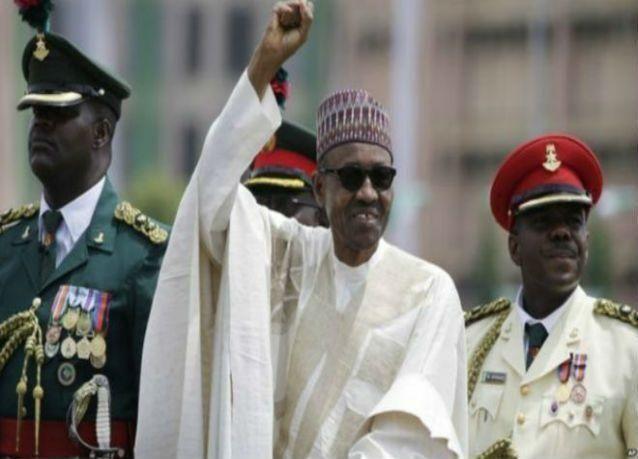 الرئيس النيجيري يتولى حقيبة وزارة النفط بنفسه في مجلس وزرائه الجديد
