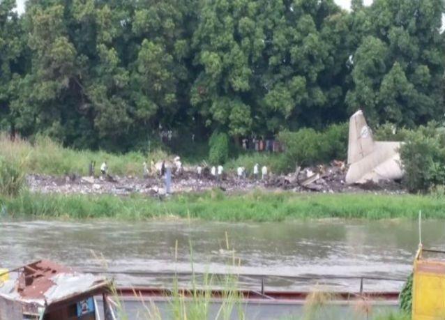 تحطم طائرة روسية بجنوب السودان ومقتل أكثر من 41 من ركابها في حادث