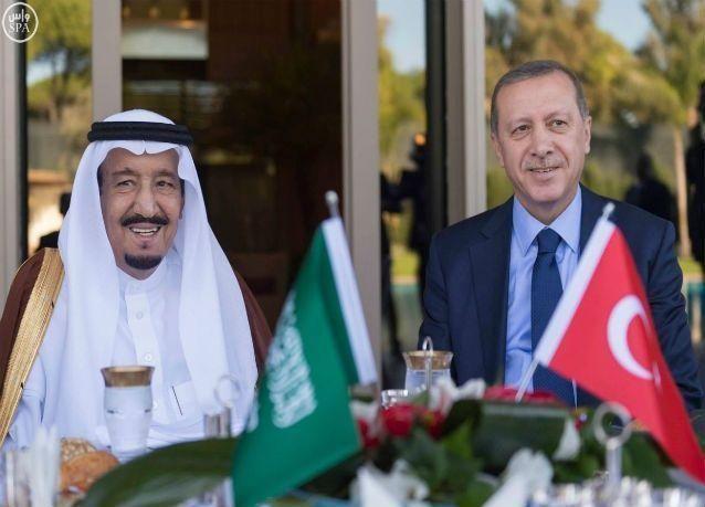 تويتر يكشف عن محادثات بين الملك سلمان والرئيس التركي