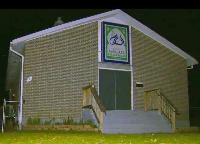 إحراق مسجد في كندا انتقاما لهجمات باريس الانتحارية