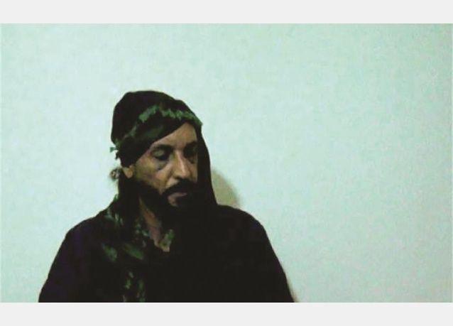مكالمة من عائشة القذافي توقع بشقيقها هنيبعل بين أيدي الخاطفين