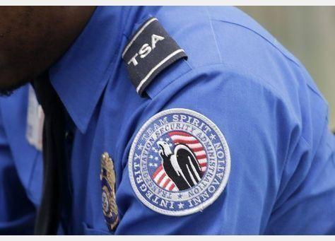 انتقادات لمصادرة أموال المسافرين من مفتش أمتعة ومكافحة المخدرات الأمريكية