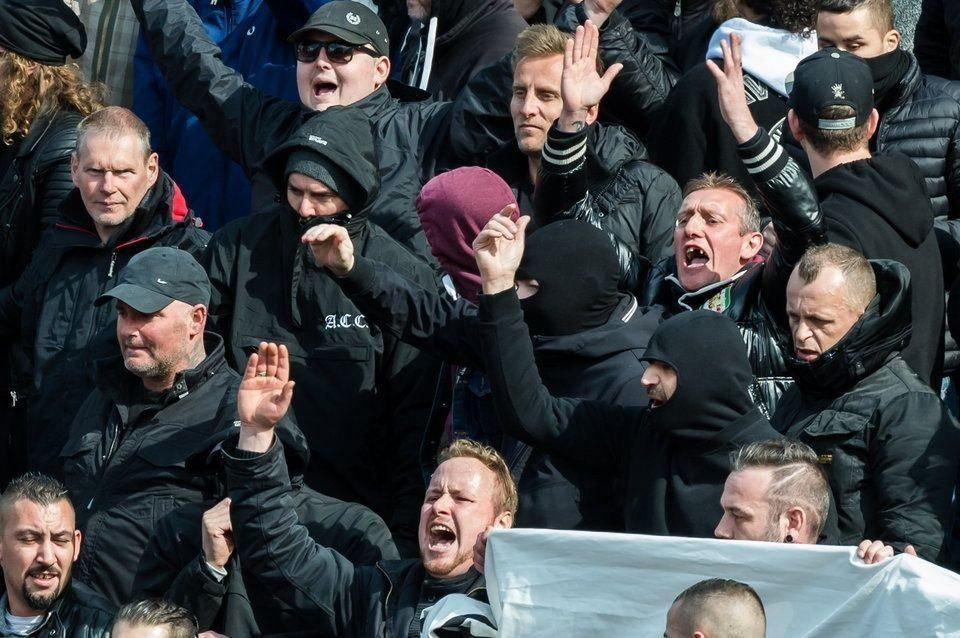 """""""الموت للعرب""""، هتافات عنصرية في مظاهرة في بلجيكا بعد هجمات داعش"""