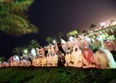 الكويت تهدد باستقدام عمالة أجنبية في حال استمرار الإضرابات