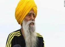 معمر هندي يكمل سباق الماراثون ويحطم رقما قياسيا