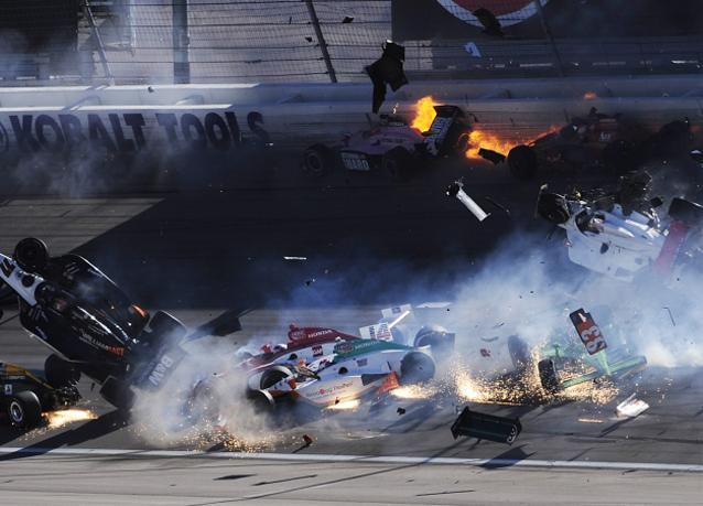 بالصور: حادث مروّع يودي بحياة بطل السباقات البريطاني دان ويلدون
