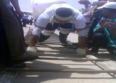 السوري عدنان العوض يسحب قطارا بقوته الجبارة