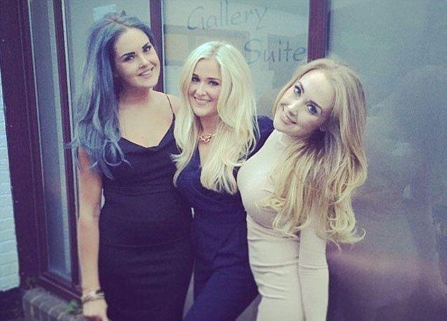 بالصور : 3 شقيقات يخدعن المراهقين والكبار للحصول على هدايا بـ 75 ألف جنيه إسترليني بسبب نشر صورهن عبر الإنترنت