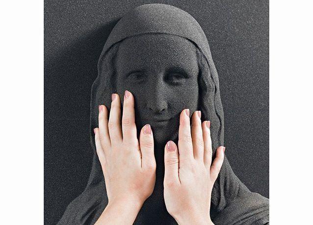 بالصور: استخدام تقنية ثلاثية الأبعاد لتمكين المكفوفين من رؤية الموناليزا
