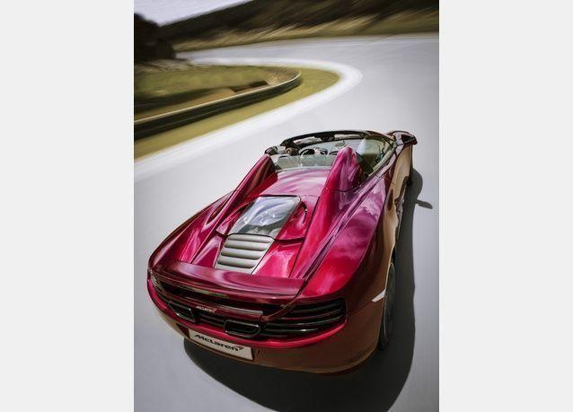 بالصور: ماكلارين تكشف عن سيارة 12 سي سبايدر