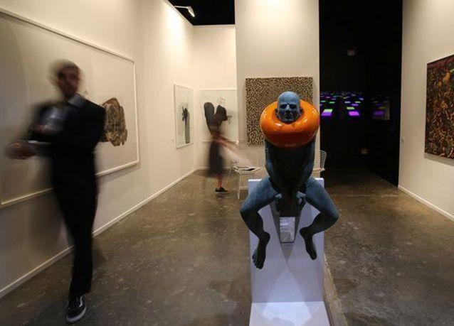 """بالصور : حمدان بن محمد يفتتح معرض الفن """"آرت دبي"""" في نسخته العاشرة"""