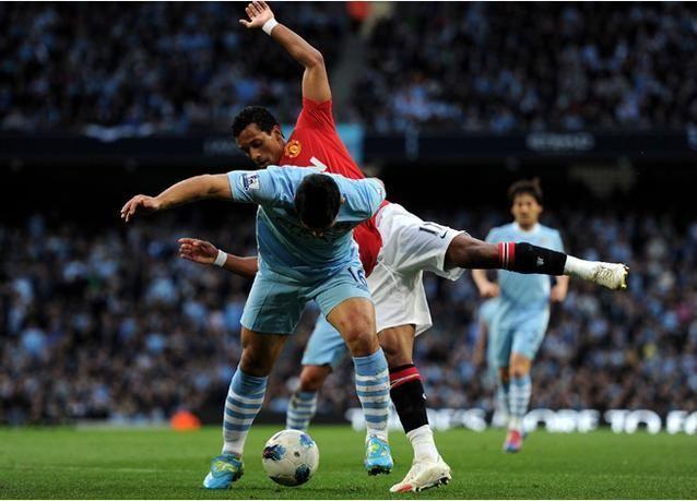 بالصور: مانشستر سيتي يهزم غريمه التقليدي مانشستر يونايتد