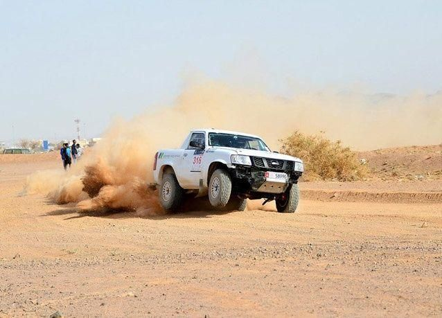 بالصور: استعراض السيارات في رالي حائل الدولي