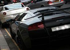 يخجلون من ثرائهم ونباهي به، سيارات العرب في لندن