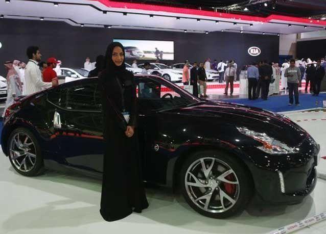 بالصور : افتتاح معرض السيارات الدولي في جدة 2015