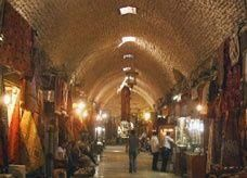 تدمير كنوز تاريخية سورية واحتراق السوق القديمة في حلب