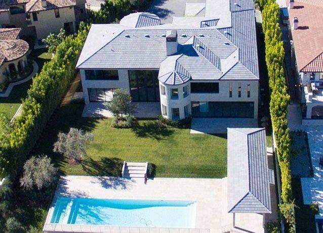 بالصور: كيم كارداشيان وزوجها يعرضان منزلهما للبيع بمبلغ يفوق الخيال
