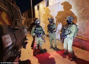 إسرائيل تتهم حماس بخطف 3 مستوطنين وتعتقل مئة فلسطيني
