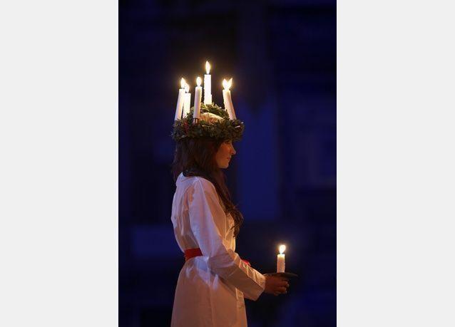 """""""لوسيا حاملة النور في ظلمة فصل الشتاء"""".. حفل تراثي سويدي في أبوظبي"""