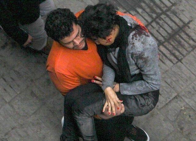 دخان يتصاعد بعد احتجاجات بالقاهرة ومقتل 15 في اضطرابات بمصر